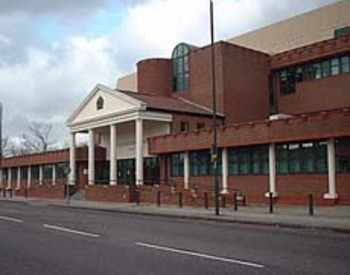 picture of the court or tribunal building